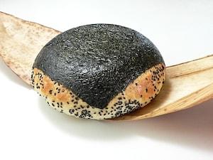 大きな大きなおむすびパン