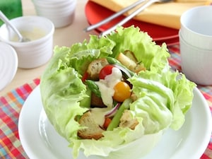 レタスたっぷり贅沢サラダ