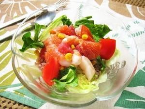 色とりどりのシーフードと野菜がおしゃれ ライスサラダ