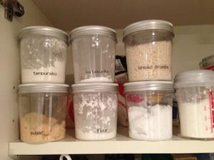 入浴剤用ケースを、キッチンで食材入れとして活用