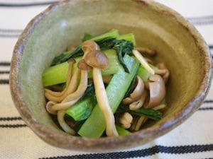 小松菜としめじのニンニク醤油炒め