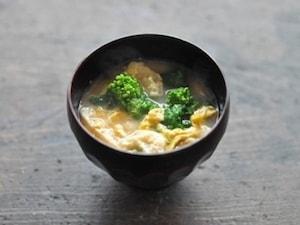 菜の花と溶き卵のお味噌汁