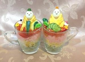 ガラスコップのデコレーション寿司