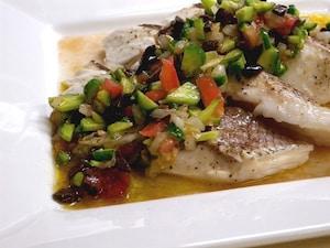 鯛の蒸し煮 彩りサルサソース
