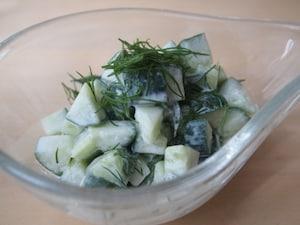 胡瓜とディルのクリームマリネ