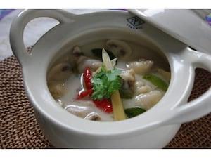 鶏肉のココナッツミルクスープ