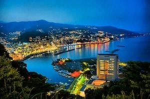 東洋のナポリと称される「熱海城」からの夜景