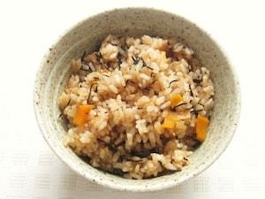 アマランサスとひじきの炊き込みご飯