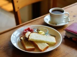 コーヒー通の常連客が多い『アカツキコーヒー』