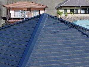 いい渋さがある「方形(ほうぎょう)屋根」