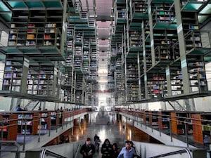 【メキシコ】憧れの未来の図書館。「バスコンセロス図書館」