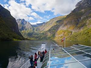 夏も冬も観光ができる、ノルウェー最大級の ソグネフィヨルド