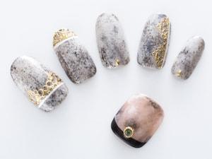 スポンジアートで作る大理石ネイル