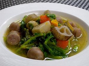 体の中から温まる! 根菜野菜たっぷりの味噌スープ