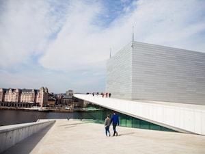北欧建築の代表、美しいオペラハウス