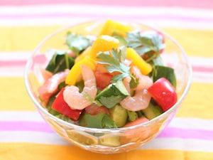 パプリカとパクチーの夏野菜サラダ