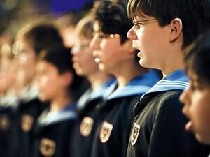 【オーストリア】ウィーン合唱団、天使の歌声を聞く