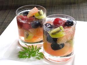 フルーツのラムカクテル