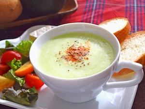 アボカドとじゃがいものスープ