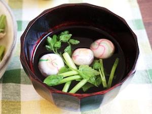セリの即席お吸い物柚子胡椒風味
