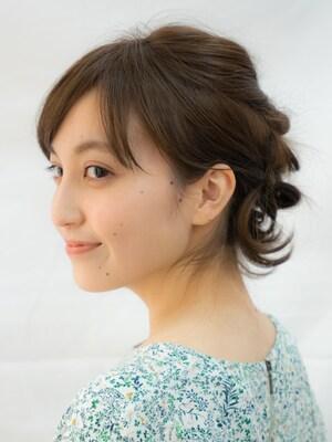 伸ばしかけヘアを可愛くのりきるシニヨン風