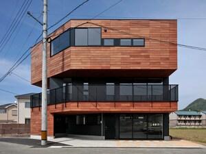 建坪23.7坪・変形地に建つ鉄骨の家