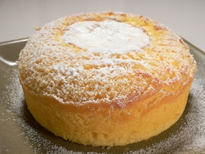 丸ごとカマンベールケーキ