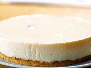 木いちごのレアチーズケーキ