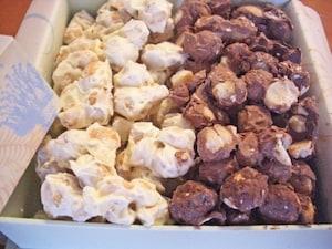 ザ・カハラのマカダミアナッツチョコレート