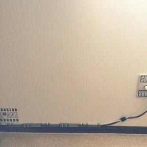 隠し 床 配線