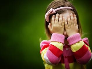 悶々!泣く子供を預けて働く私は悪い母?
