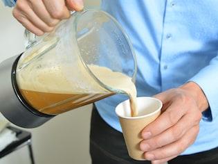 「朝食代わりに1杯飲むだけ」バターコーヒーダイエット