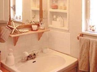 平凡な洗面台がカフェ風に大変身!DIYリフォーム実例