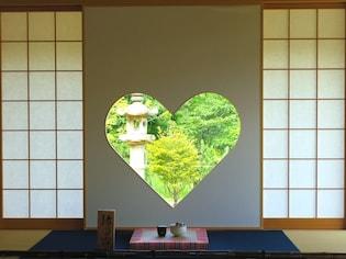 ハートの窓で話題!京都・正寿院で日本の美と出会う