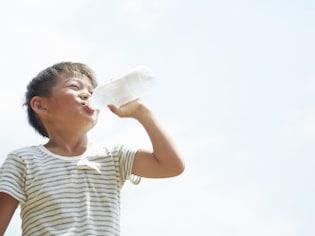 脱水・熱中症予防に!知っておきたい水分補給の基本