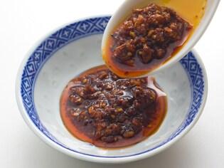 辛味や甘味に加えて「しびれ」も味わえる万能調味料