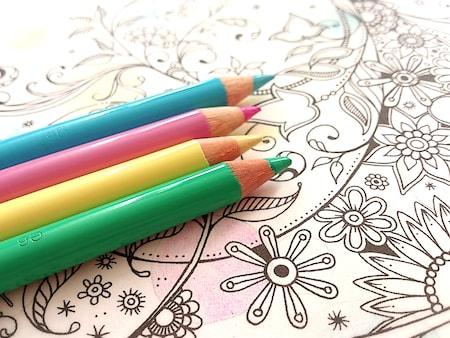 色や塗り方道具選びで世界が広がる 大人のぬりえをもっと楽しもう