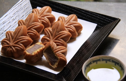 Momiji Manju: A Snack Worthy of Miyajima