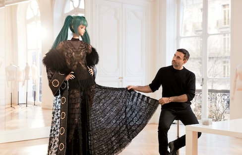 Hatsune Miku Hits Vogue
