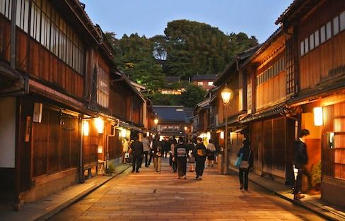 과거로 가는 타임머신: 카나자와의 게이샤&사무라이 거리
