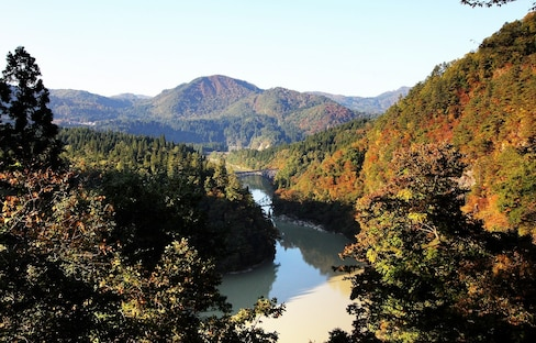 Autumn Journey to Oku-Aizu on the Tadami Line
