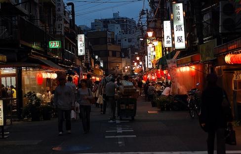 10 ย่านกินดื่มยามค่ำคืนในโตเกียว