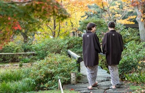 """深度日本:三个故事,让你窥见日本人内心""""隐秘的角落"""""""