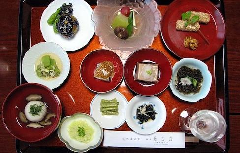 12 Best Delicacies of Nikko