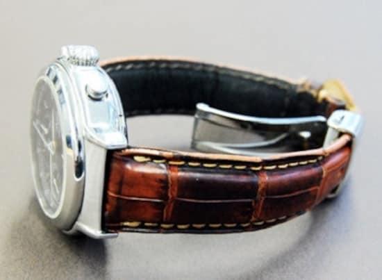 the latest 4de21 2b056 画像:腕時計の革ベルトの手入れの仕方汗染み&臭いを落とす洗浄 ...