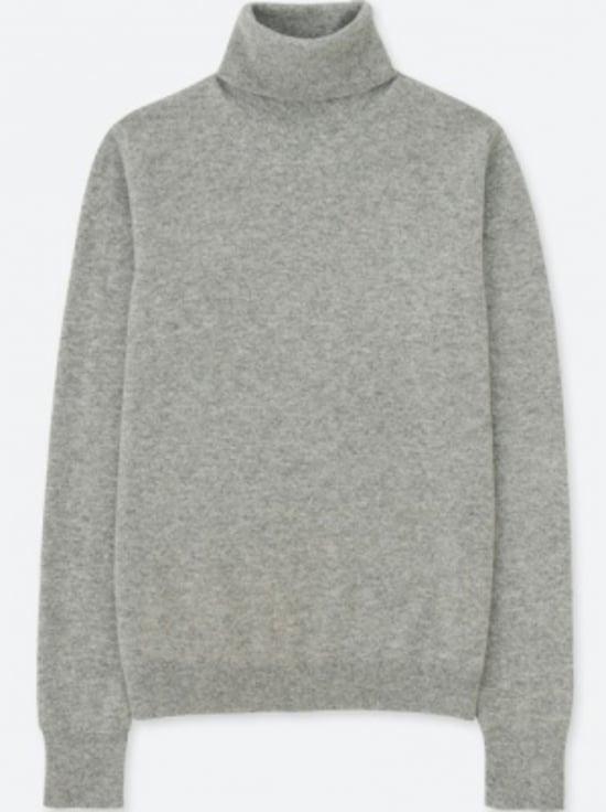 カシミヤタートルネックセーター 7990円(税抜)