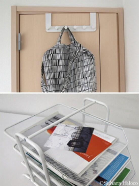 ドア上部にはめ込んで使うハンガーフックは工具が不要で取り付けやすい。レタートレイは数段に分かれていると仕分けが簡単。どちらもIKEAで手に入る