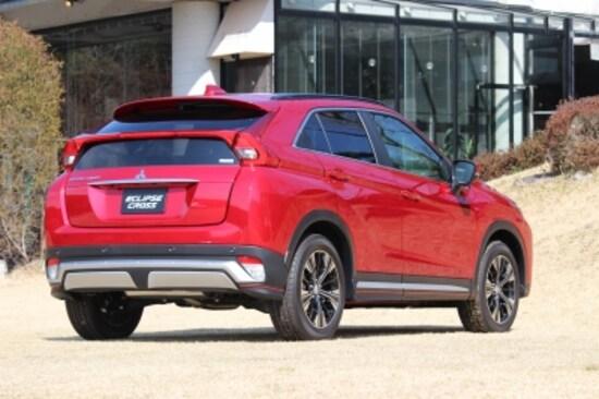 ボディサイズは、三菱自動車アウトランダーとRVRの中間に位置し、価格帯は253万2600円~309万5280円