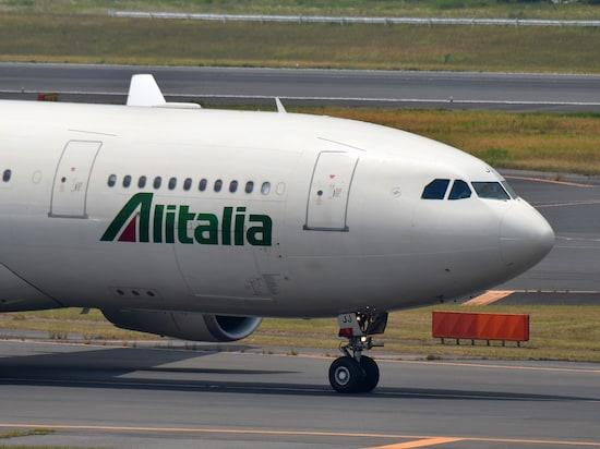 2017年5月に経営破綻したイタリアのフラッグ・キャリア、アリタリア航空。日本便を含めて運航は継続されていて、複数の航空会社が経営再建に名乗り出ているという / 筆者撮影