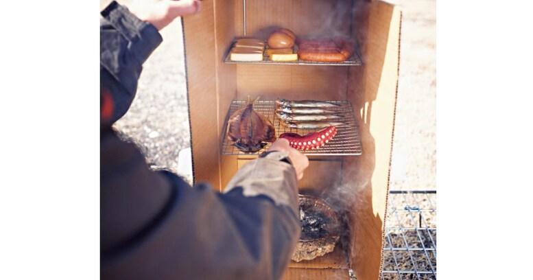 自作の「段ボールスモーカー」で燻製料理をつくろう!